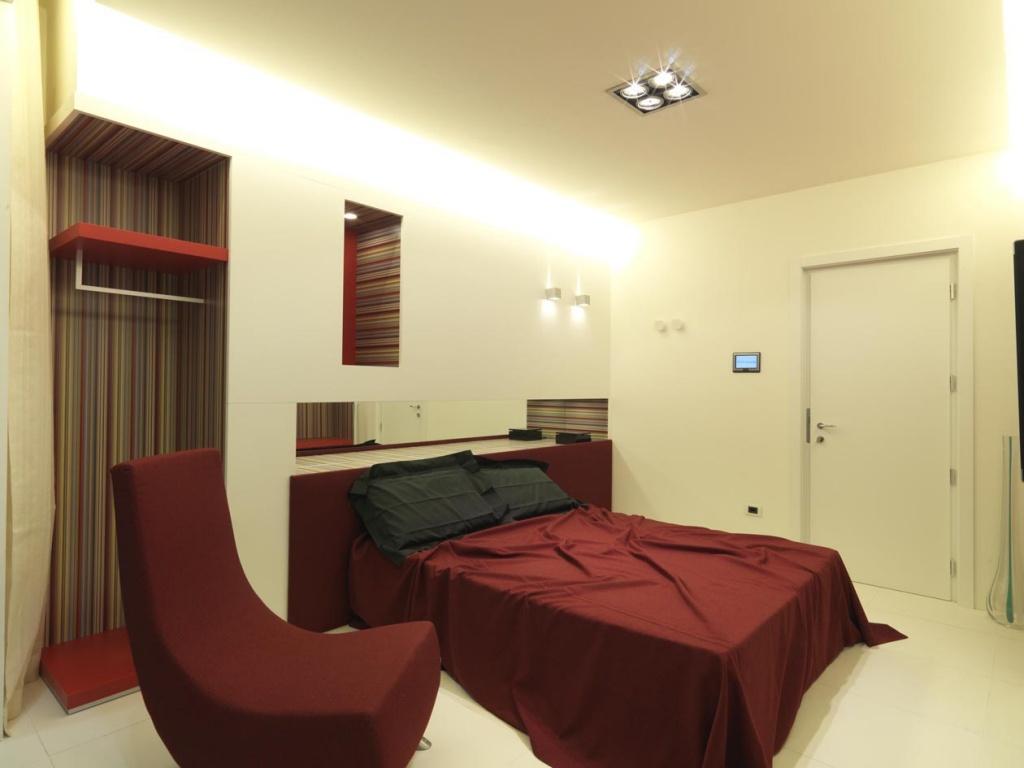 sleeping low cost hotel